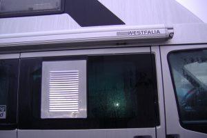 2.2 Fotogalerie Frischluftgitter Schiebefenster Ford Transit Artikel-Nummer 314-021000-2