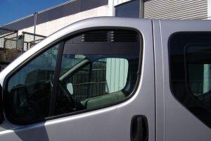 4.2 Fotogalerie Frischluftgitter Fahrerhaus Renault Trafic Artikel-Nummer 114-025000-2