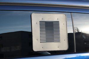 6.4 Fotogalerie Frischluftgitter Schiebefenster Mercedes-Benz Vito-V-Klasse Artikel-Nummer 314-030003-2AG