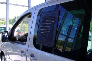 6.8 Fotogalerie Frischluftgitter Schiebefenster Peugeot Expert Artikel-Nummer 314-006003-2